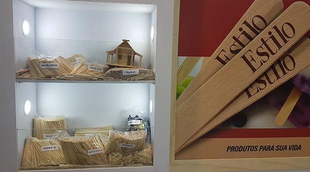 Estilo, palitos de madeira, sorvete (Foto: Débora Duarte)