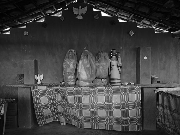 Ateliê da Dona Isabel, Santana do Araçuaí (Foto: Maurício Nahas)
