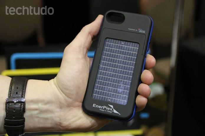 O Surfr é compatível com iPhones 5 e 5S  (Foto: Fabricio Vitorino/TechTudo)