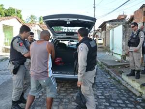 Presos são suspeitos de crimes como tráfico de drogas e homicídio  (Foto: Walter Paparazzo/G1)