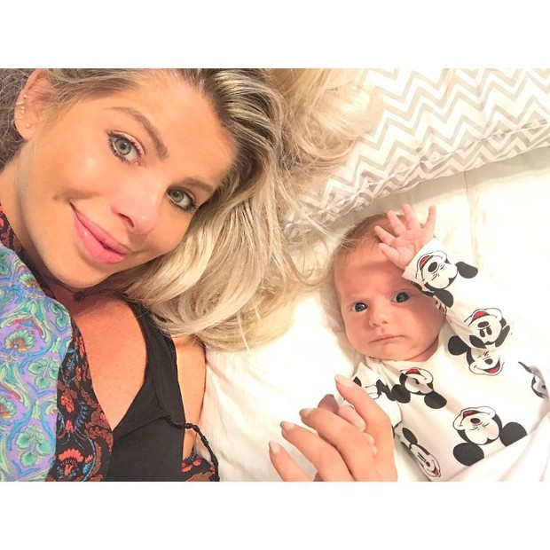 Karina Bacchi e Enrico (Foto: Reprodução/ Instagram)
