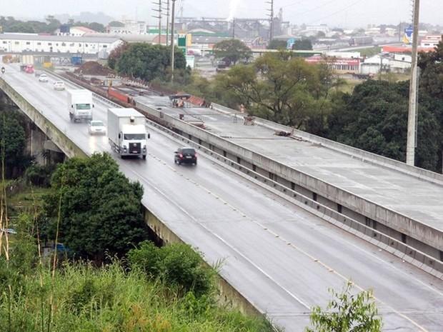 Trecho da BR-101 na ponte sobre o rio Tubarão (Foto: PRF/Divulgação)
