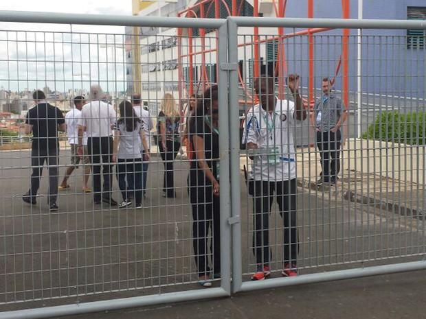 Portões fechados para o segundo dia de provas na 2ª fase da Unicamp (Foto: Murillo Gomes/G1)