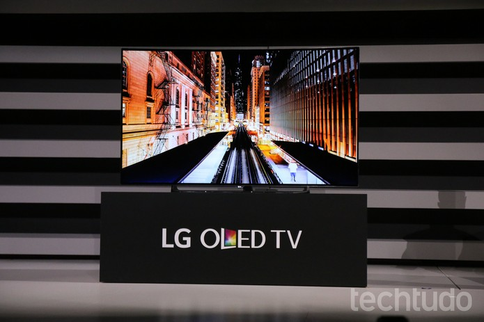 lg lan a g flex 2 tvs oled 4k com tela curva e novidades em eletr nicos not cias techtudo. Black Bedroom Furniture Sets. Home Design Ideas