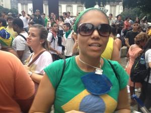 Professora vê escolas aos pedaços e Maracanã novinho (Foto: Luís Bulcão/G1)
