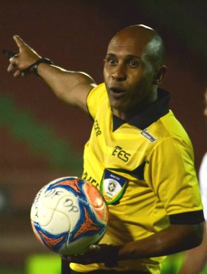Devarly do Rosário, árbitro capixaba da CBF (Foto: Henrique Montovanelli/Desportiva Ferroviária)