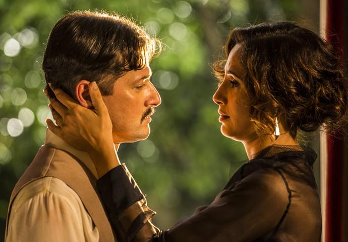 Marcelo Serrado e Camila Pitanga são o casal Carlos Eduardo e Maria Tereza na segunda fase de 'Velho Chico' (Foto: Inácio Moraes/ Gshow)