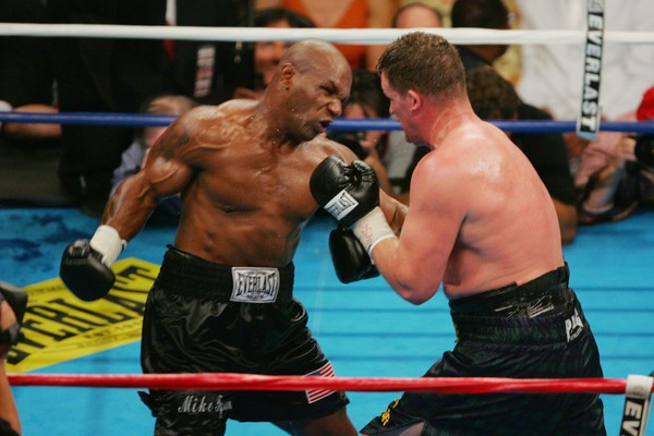 Uma luta do boxeador Mike Tyson (Foto: Getty Images)