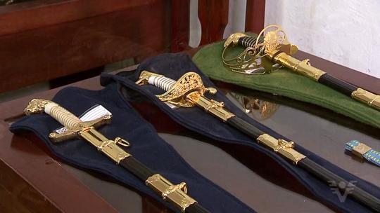 Novelas e séries utilizam armas confeccionadas em São Vicente, SP