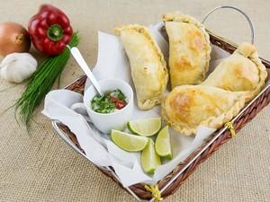 Empanadas de presunto e queijo, frango ou carne (Foto: Divulgação)