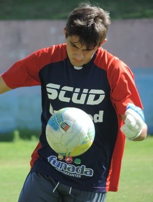 Figueiredo goleiro Grêmio Prudente sub-17 (Foto: João Paulo Tilio / GloboEsporte.com)