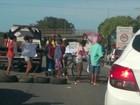 Protesto de moradores interdita Rodovia do Sol em Vila Velha, ES