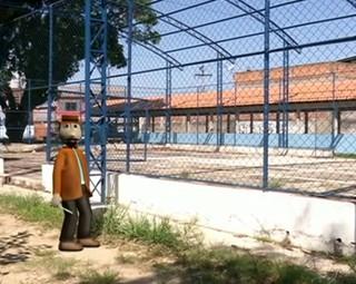 Zé do Bairro visitou moradores do bairro Itapuca, em Resende (Foto: Reprodução RJTV 1ª Edição)