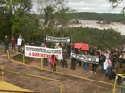 Servidores da Justiça Federal fazem protesto nas Cataratas do Iguaçu
