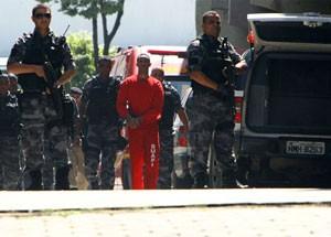 Bruno deixa fórum após adiamento do julgamento (Foto: Mauricio de Souza/Hoje em Dia/Estadão Conteúdo)