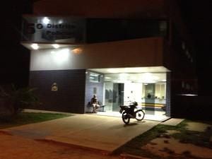 Vítima fez boletim de ocorrência na Central de Flagrantes (Foto: Marcelo Marques/ G1 RR)