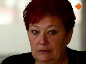 Monique voltou para Síria desobedecendo os conselhos da polícia para resgatar a filha (Foto: Foto: TV holandesa)