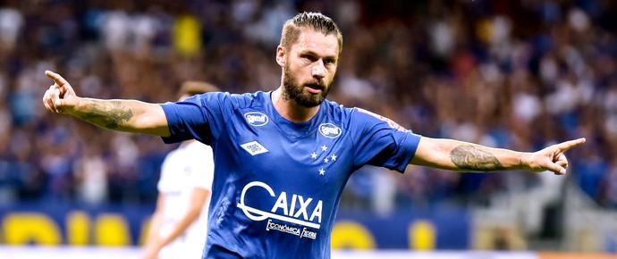 Rafael Sobis, Gol Cruzeiro (Foto: André Yanckous / Estadão Conteúdo )