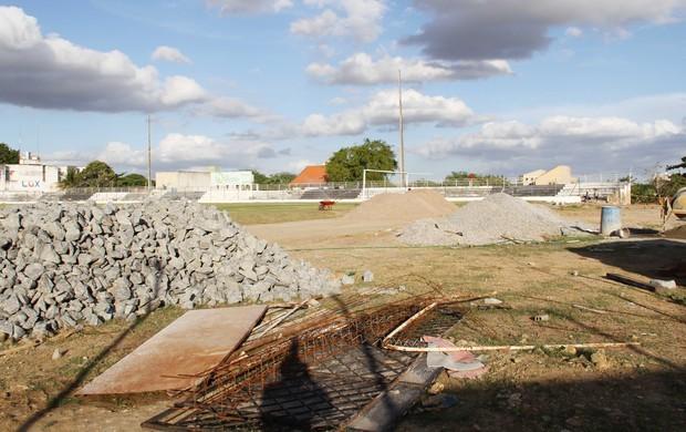 Estádio do Treze vem passando por uma série de reformas (Foto: Magnus Menezes / Jornal da Paraíba)