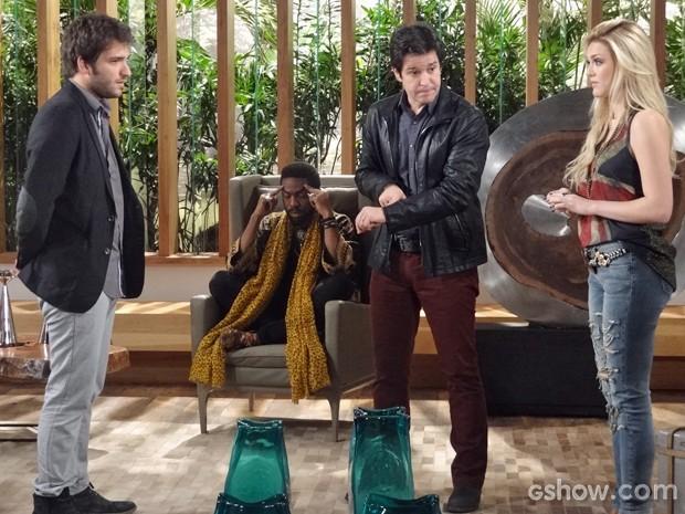 Davi e Jonas ficam preocupados com o sumiço de Manu. Megan adora. (Foto: Geração Brasil / TV Globo)
