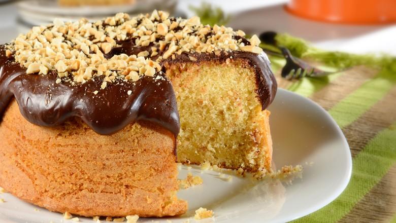 bolo-receita-amendoim-chocolate (Foto: Divulgação/ União)