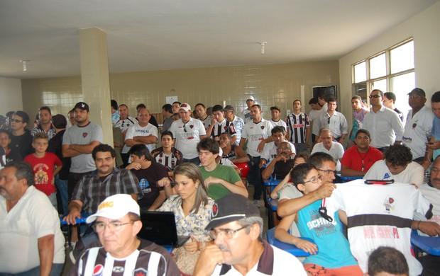 Torcida do Botafogo-PB na Maravilha do Contorno (Foto: Lucas Barros / Globoesporte.com/pb)