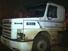 Criminosos invadem caminhão em movimento para roubar carga no PR