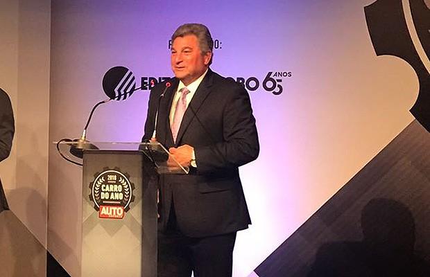 Steve St. Angelo, CEO da Toyota para América Latina e Caribe recebe o troféu de Executivo do Ano 2018 (Foto: Autoesporte)