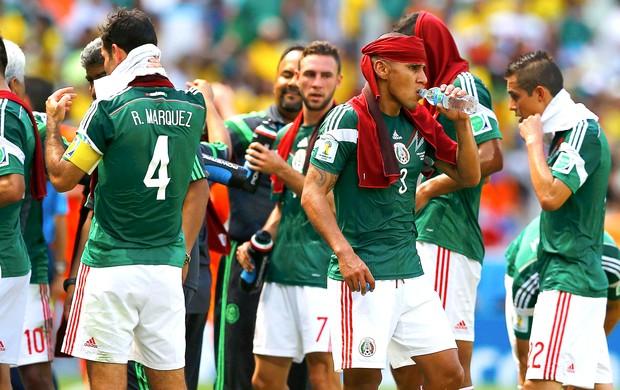 Jogadores do México Parada Técnica Castelão (Foto: Agência Reuters)