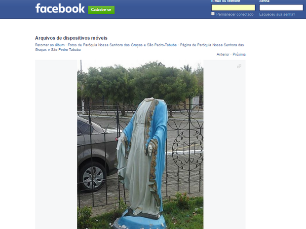 Imagem de santa que teve cabeça arrancada foi publicada no Facebook da paróquia de Nossa Senhora das Graças e São Pedro (Foto: Reprodução/ Facebook)