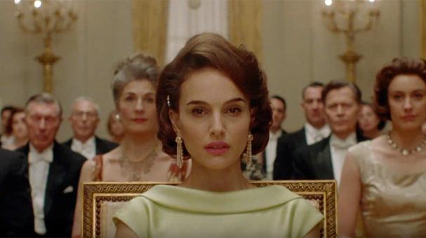 Natalie Portman é apontada como uma das favoritas pra receber o Oscar de Melhor Atriz por conta de sua atuação no filme Jackie (Foto: Reprodução Youtube)