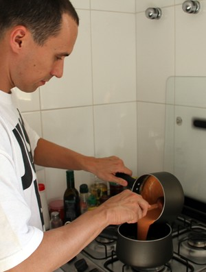 O armador Fúlvio, do São José Basketball, tem a culinária com hobby favorito (Foto: Danilo Sardinha/Globoesporte.com)