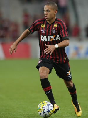 Marcos Guilherme Atlético-PR (Foto: Giuliano Gomes/ Agência PR PRESS)