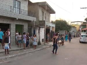 Crime ocorreu dentro da casa da vítima, no bairro de Boa Vista de São Caetano (Foto: Reprodução/TV Bahia)
