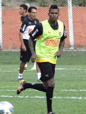 Maicosuel treino Atlético-MG (Foto: Léo Simonini)