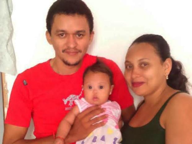 Família já recorreu à Defensoria Pública para tentar garantir a cirurgia (Foto: Amanda Reis de Oliveira/Arquivo Pessoal)