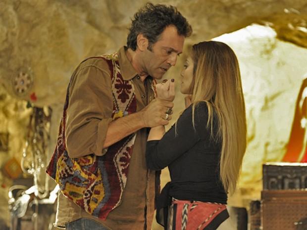 Domingos arrancou suspiros da mulherada na pele de Zyah, em Salve Jorge (Foto: Estevam Avellar / TV Globo)