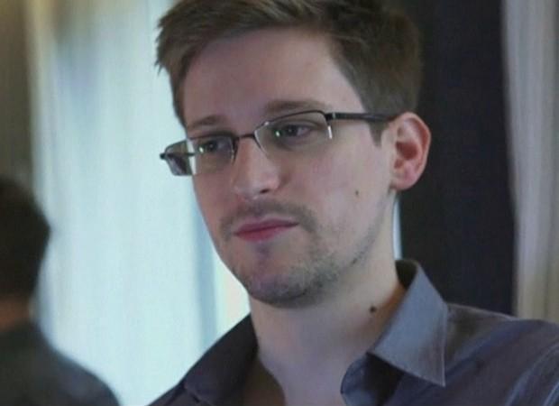 Matéria do G1 sobre o caso do ex-técnico da CIA Snowden, que revelou detalhes do programa de vigilância dos EUA. (Foto: G1)