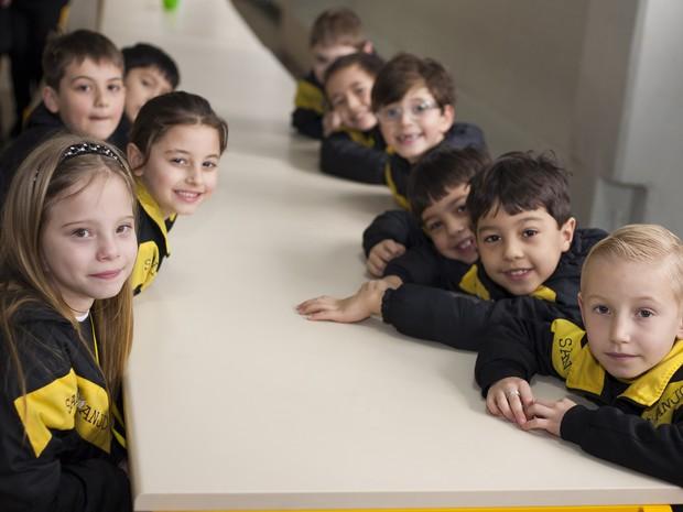 Estudantes usam tecnologia para reforçar o conteúdo fora e dentro da sala de aula  (Foto: Divulgação/Colégio Santo Anjo)
