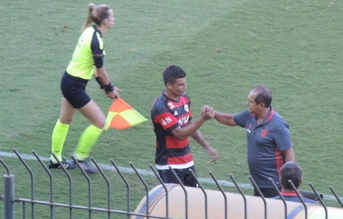 Ederson e Muricy Ramalho Flamengo x Bangu (Foto: Gustavo Rotstein)