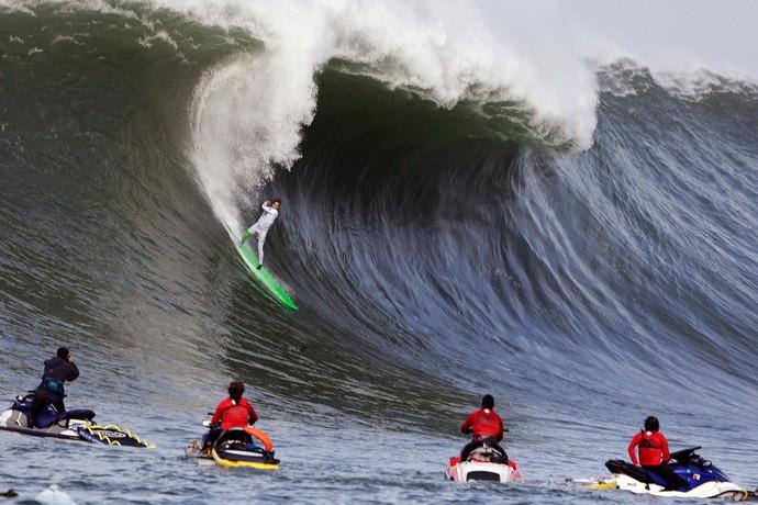 Surfe - Mavericks big wave contest - Nic Lamb (Foto: AP)