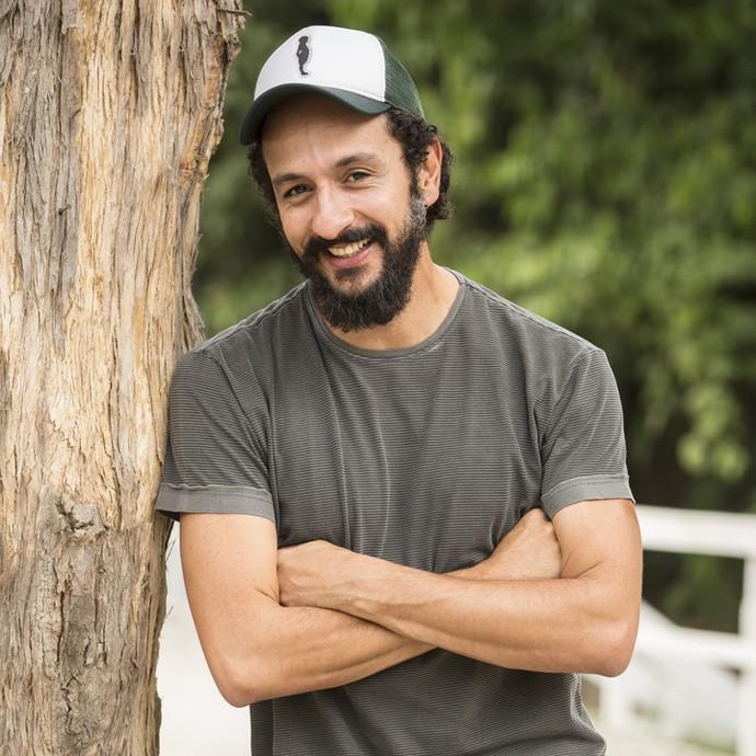 Irandhir Santos avalia a personalidade e as atitudes de Bento, seu personagem em 'Velho Chico' (Foto: Felipe Monteiro/ Gshow)