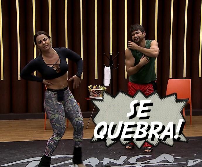 Viviane Araújo mostra suas trapalhadas durante ensaio (Foto: TV Globo)