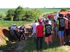 Cinco pessoas ficam feridas após carro capotar na rodovia PR-472