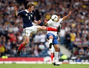Paul Dixon na partida da Escócia (Foto: AP)
