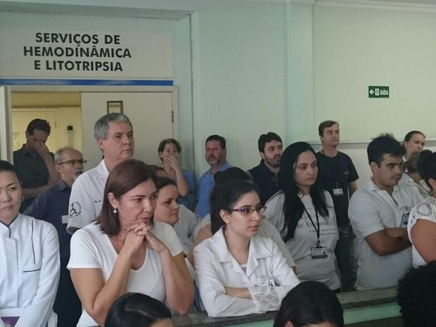 Anúncio de fechamento foi feito nesta sexta a funcionários (Foto: Alberto D'Angele/RPC)