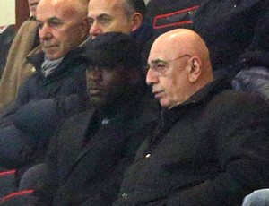 Seedorf e Galliani jogo Milan (Foto: EFE)