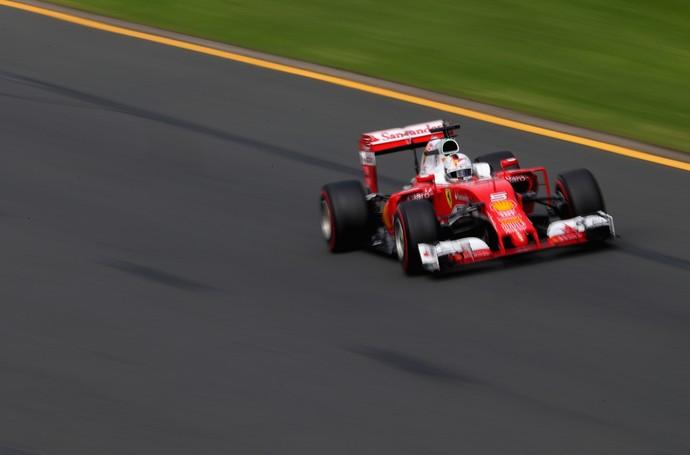 Sebastian Vettel em ação no treino classificatório para o GP da Austrália (Foto: Getty Images)