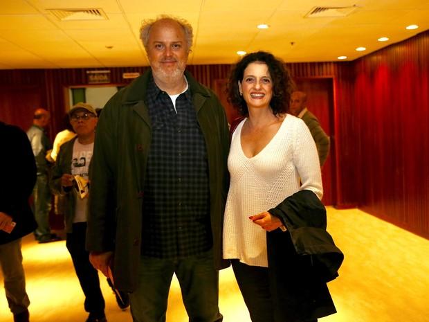 Denise Fraga e o marido, Luiz Villaça, em estreia de peça em São Paulo (Foto: Manuela Scarpa/ Brazil News)
