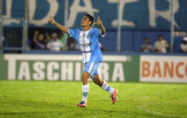 Heliton - Paysandu x Joinville (Foto: Marcelo Seabra / O Liberal)
